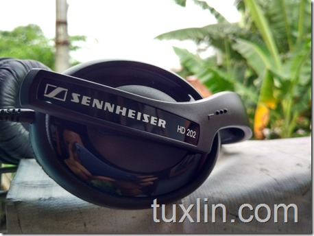 Penampilan Sennheiser HD 202 II