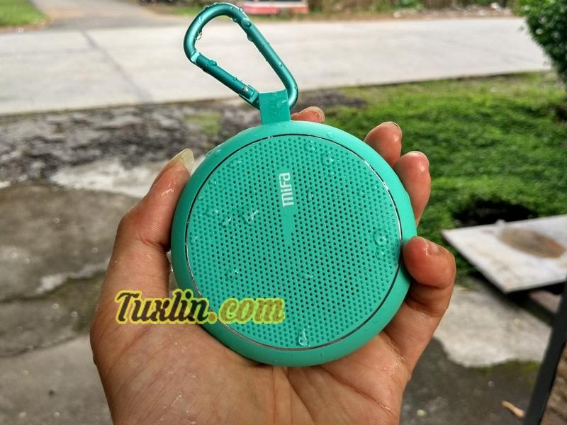 Desain Mifa F1 Bluetooth Speaker