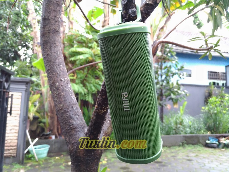 Desain Mifa F5 Bluetooth Speaker