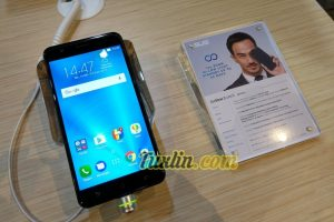Hands On Asus Zenfone Zoom S ZE553KL di Zenfinity 2017